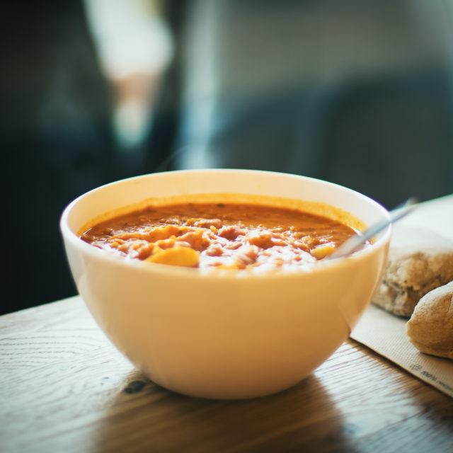 Dampfende Suppe von Supasalad