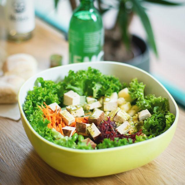 Knackiger Salat von der Salatbar